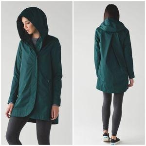 Lululemon Savasana Waterproof Rain Jacket Green